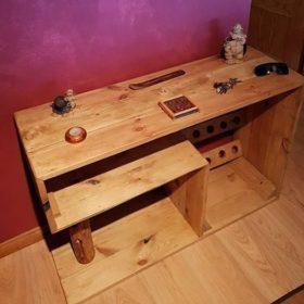 Thiết kế bàn làm việc ấn tượng từ gỗ thông dạng thô
