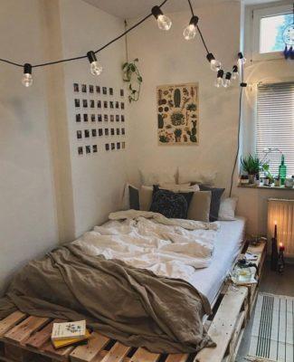 Giường gỗ thông đơn giản, tinh tế làm từ gỗ thông thô hay gỗ thông pallet