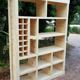 Kệ để sách nổi bật làm từ gỗ thông cho những bạn kỹ tính, yêu màu sáng