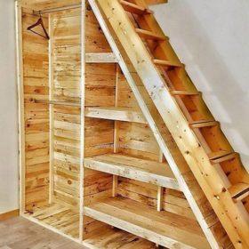 Cầu thang dẫn lên gác xép kết hợp tủ để đồ - Thiết kế thông minh cho không gian nhỏ, hẹp