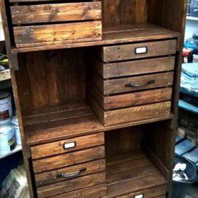 Tủ để đồ đa năng với không gian cả đóng và mở làm từ gỗ thông
