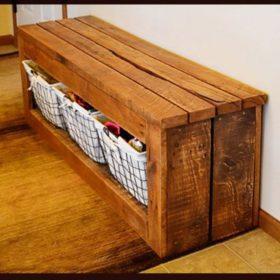 Khu vực ghế ngồi, kệ để đồ kết hợp đặt giỏ để đồ bên dưới
