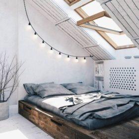 Mẫu giường ngủ thông minh kết hợp ngăn để đồ bên dưới rất hợp với không gian nhỏ hẹp của gác xép tận dụng làm phòng ngủ