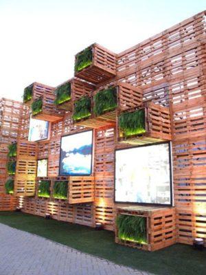 Wowww - Thiết kế tường làm từ gỗ thông siêu ấn tượng về thẩm mỹ và màu xanh tự nhiên