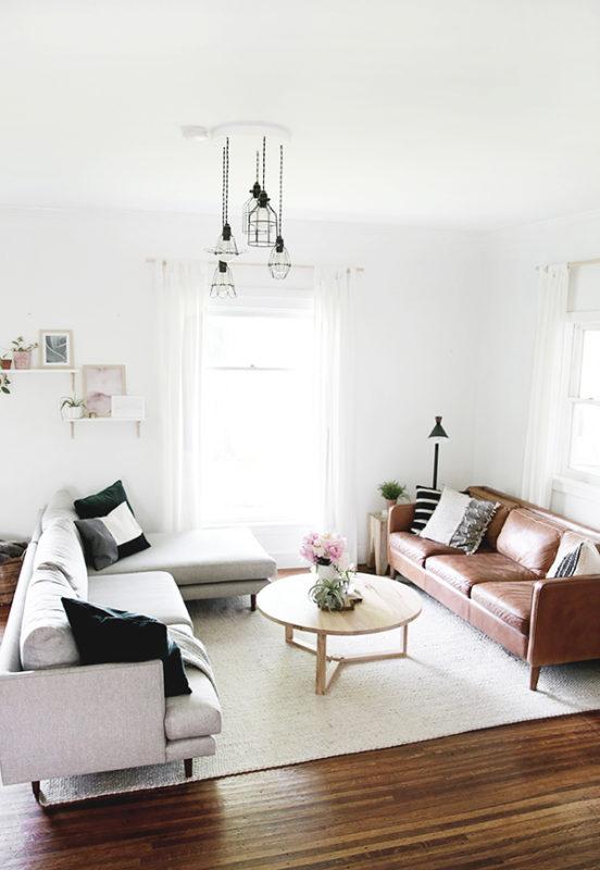 Hai chiếc sofa lớn cho gia đình nhiều người